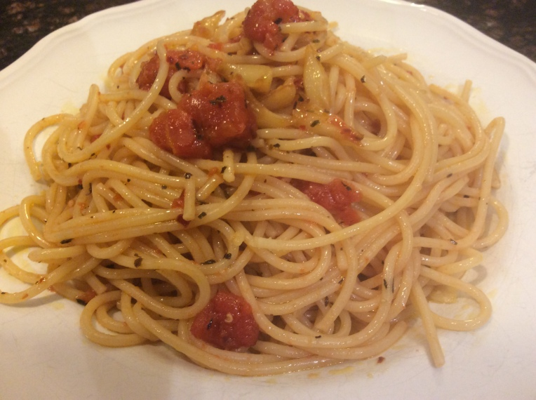 GARLIC, OLIVE OIL AND RED PEPPER SPAGHETTI (Spaghetti aglio, olio e peperoncino)