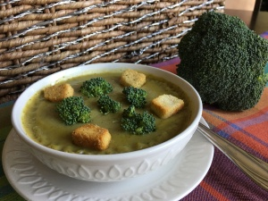 Leeks, potaotes and broccoli velvety soup